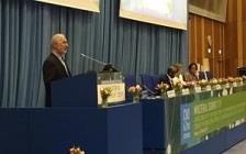 دکتر مومنی: سیاسی شدن مواد مخدر کمکی به آن نمیکند